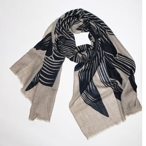 NEW Navy and Tan Scarf
